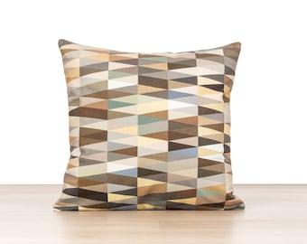 dekorative kissen f r couch m belideen. Black Bedroom Furniture Sets. Home Design Ideas