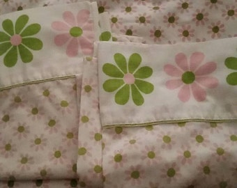 Vintage, two, pillow cases, flat sheet, 60s, 1960s, flowers, flower power, retro, bed, sheets, household, cutter, shabby chic