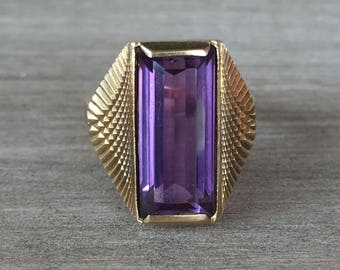 Purple Synthetic Sapphire pinky ring in yellow gold