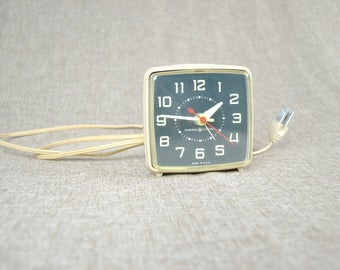 General Electric Vintage Alarm Clock with Snooze