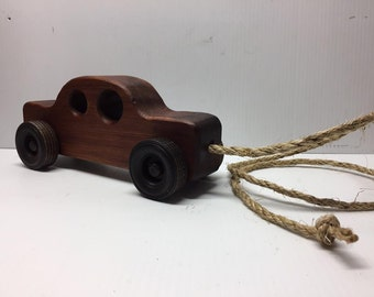 Traditional Wood Pull Car