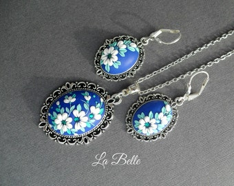 Pendant and earrings in a technique floral filigree
