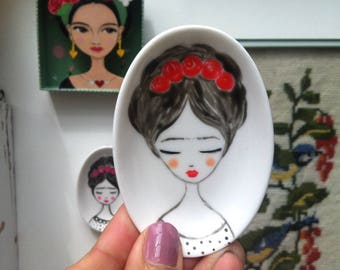 Jewelry dish, mini dish, handpainted Frida Kahlo Zoownatas