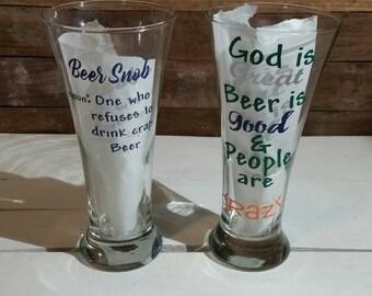 Custom Pilsner beer glass, personalize beer glass, pilsner glass, Groomsmen glass. Wedding party gift.