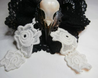 Magpie Skull Lace Brooch