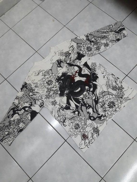 Sale!! Rare Vintage Sukajan style Dragon shirt /Medium