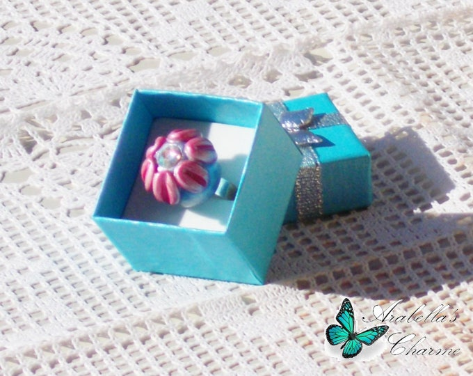 Adjustable ring with flower daisy made with polymer clay pink and light purple