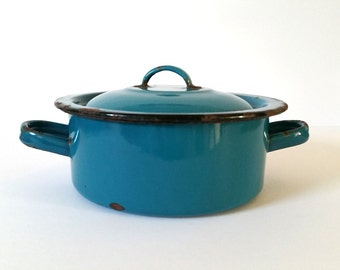 Pretty blue old-fashioned enamel pot