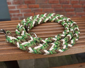 """Paracord dog leash with hand strap, model """"Arrows"""""""