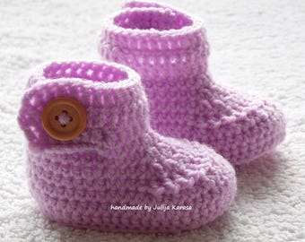 Baby booties with wooden buttons, crochet baby booties, handmade booty for newborn, baby shower gift, baby boots, baby boots crochet