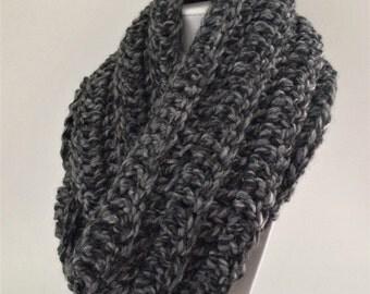 Gray Infinity Scarf, Chunky Crochet Scarf, Oversized Infinity Scarf, Chunky Crochet Cowl, Thick Crochet Scarf, Wool Winter Scarf