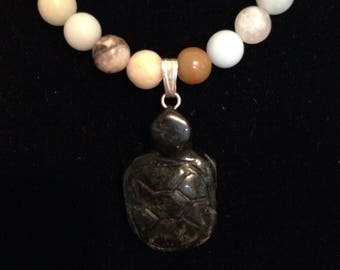 Stone necklace with stone turtle pendant