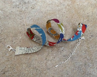 Vibrant Liberty of London 10mm choker.
