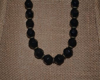AVENUE Faceted Chunky Black Beads Necklace
