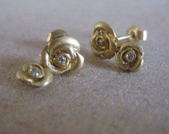 flower stud earrings, Flower gold earrings, stud earrings, floral stud earrings, 18k gold stud, Tiny gold stud,tiny flower studs,flower
