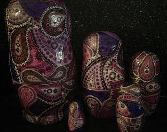 Purple Paisleys - 5 Piece Nesting Dolls Matryoshka set - decoupage.