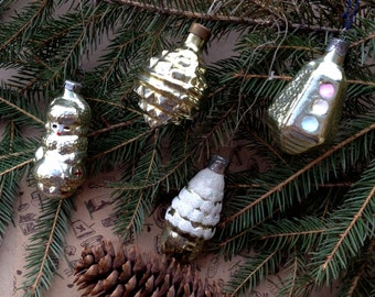 Christmas ornaments set of 4. Snow Maiden, Lodge, Traffic Light, Christmas Star in set. Christmas gift