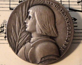 Antique French silver Joan of Arc brooch / pin c1920