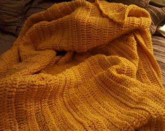 Soft and stretchy corn-silk yellow throw hygge - Ready to ship!