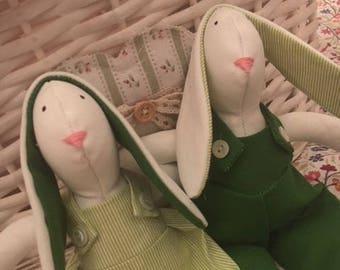 Green Tilda Engaged Bunnies - Coppia coniglietti Tilda fidanzati  - Green Tilda Bunny lovers - Couple of married Bunnies - Coppia Conigli