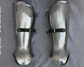 "SCA combat full or ""closed"" greaves"