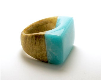 Resin and Wood Ring-Cocktail Ring-One of a Kind-Statement Piece-Gift for Her-Eco Resin Ring-Nature Jewelry-Chunky Ring-Wooden Jewelry