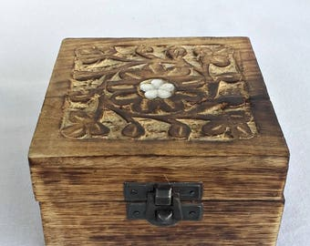 Wooden box, Wooden box with lid