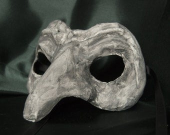 Venetian-Style Long-Nosed Mask