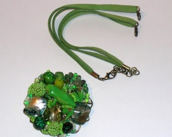 Green Frog necklace, jewelry, brooch, necklace green meadow transformable alcantara