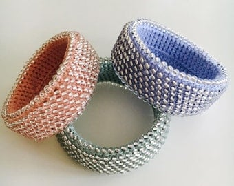 Crocheted bracelet in spring/summer colours