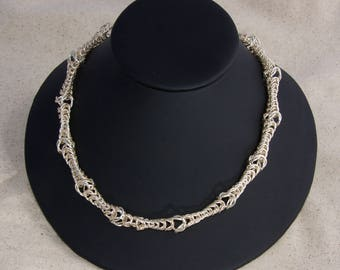 Silver Queen's Lace Chain Maille Necklace