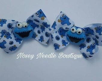 Cookie Monster hairbow,Cookie monster hairbow, Cookie Monster hair clip, Cookie monster birthday, Cookie hair clip, Blue monster hair clip