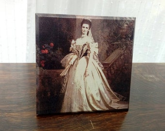Picture plaque - vintage shabby chic wall decor, wooden, decoupage, gift for her, empress queen