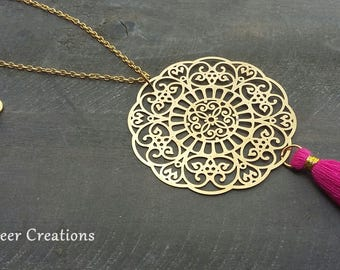 Boho gold chain with fine tassel tassel chain, tassels chain, chain with tassel, large mandala, mandala necklace gold