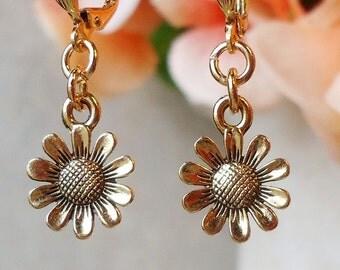 Tiny Daisy Dangle Earrings.Metal earrings.Flower Drop Earrings.Sunflower.Small earrings.Delicate.Dainty.Bridal.Floral.Charm.Gift. Handmade.