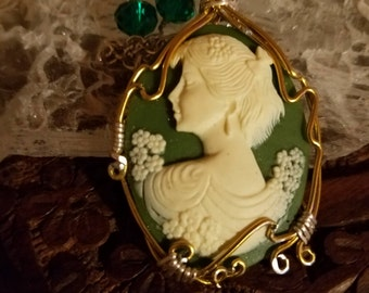 Lady in green cameo