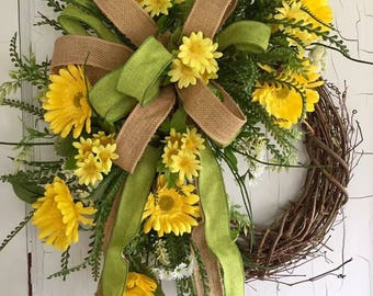 Spring Wreath - Front Door Wreaths - Summer Wreath - Daisy Wreath - Spring Wreath for Door - Mother's Day Gift