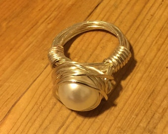 pearls//pearl ring//wire wrapped ring// pearl jewelry