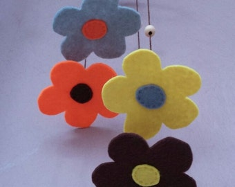 Hanging Flowers baby mobile