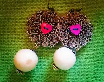 Vintage style earrings / Button Earrings / drop earrings