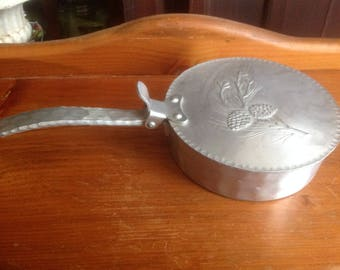 Vintage Hinged Lid Everlast Aluminum Pot