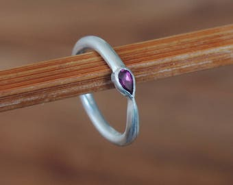 Silver ring with Garnet rhodoliet