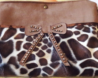 Pouch Sling effect fake fur