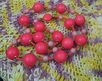 """Vintage pink and mauve colored big beads 28"""" necklace hong Kong"""