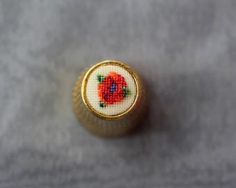 "Thimble with ebroidery ""Poppy"" 10mm"