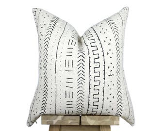 Mudcloth Pillow Cover, African Mud Cloth, African Pillow, Cream and Black | 'Omi'