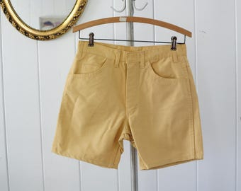 Vintage Yellow/ Beige Permanently Pressed Shorts /mens size 29 vintage short, vintage mens shorts, mens short shorts
