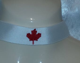 Canada Maple Leaf choker