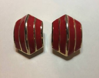 Red and Gold Vintage Clip On Earrings