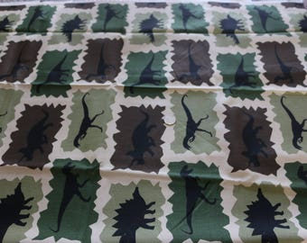 20 Dinosaurs! Cut for coverlet or quilt. Heavy poplin fabric  20